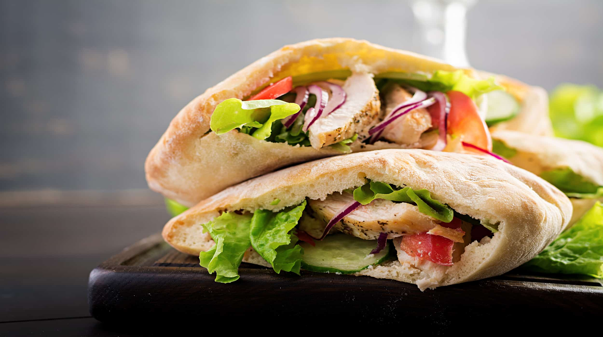 pita bread with chicken filling